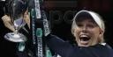 CAROLINE WOZNIACKI DEFEATS VENUS WILLIAMS TO WIN WTA TENNIS FINALS, 10SBALLS SHARES PHOTOS thumbnail
